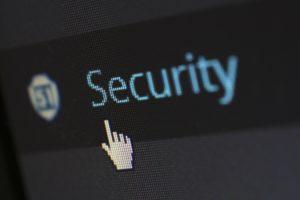 bezpieczenswo-firmowych-stron-internetowych-jakie-zabezpieczenia-wybrac