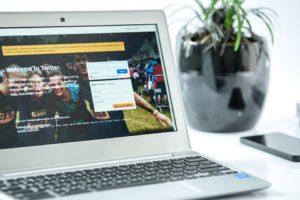 wybór laptopa do pracy biurowej