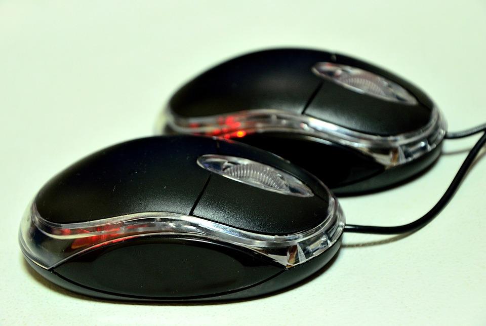 czy myzska komputerowa ma wpływ na grę