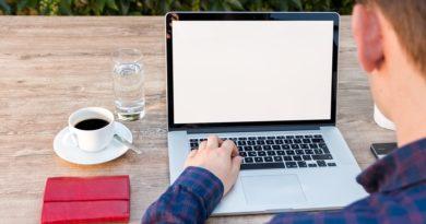 Zalanie laptopa – co możemy zrobić?